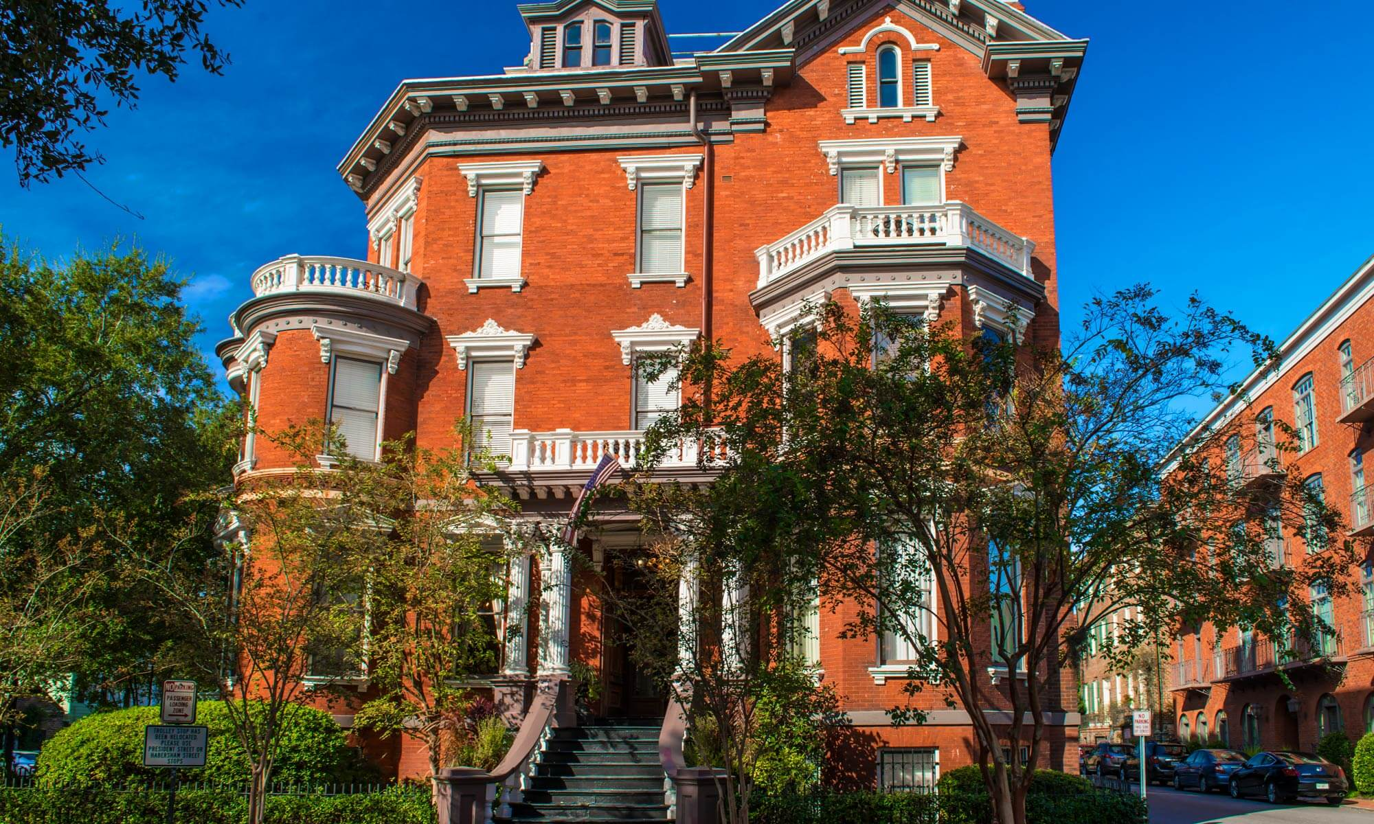 The exterior of the William Kehoe House historic bed and breakfast in Savannah, GA