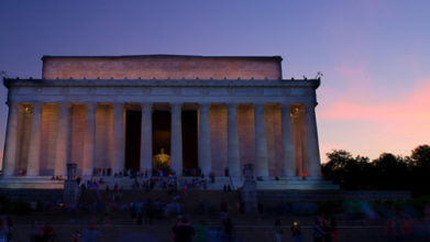 lincoln memorial at night on dc tour