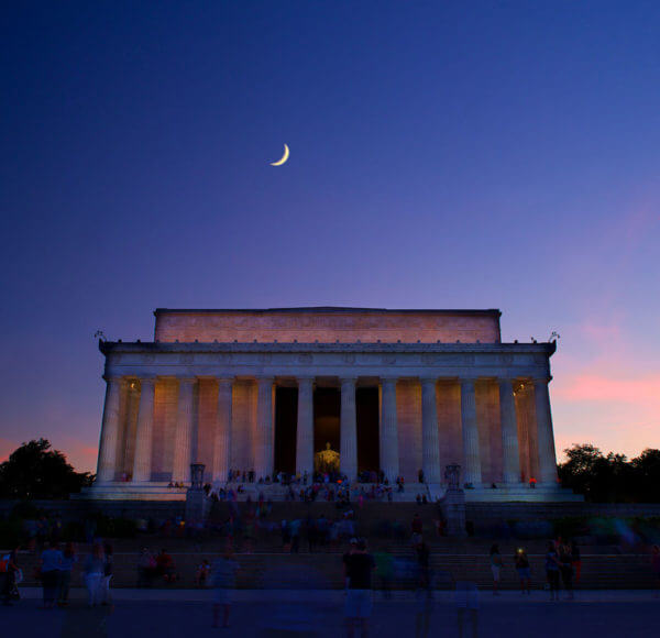 monuments by moonlight tour coupon